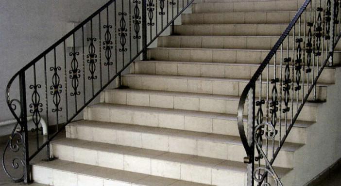 Как сделать перила для лестницы своими руками из металла фото 941